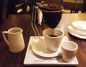 Cafe-Raiz-coador